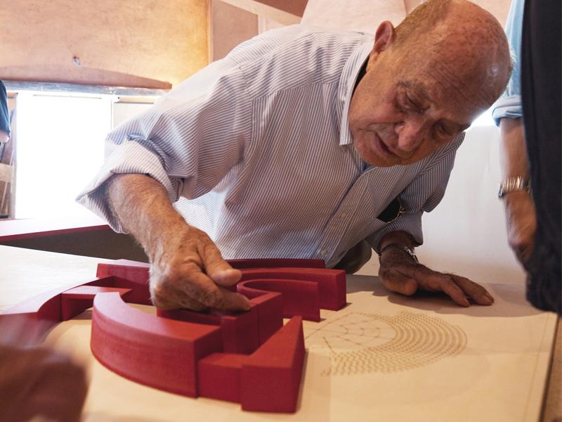 Maestro Arnaldo Pomodoro