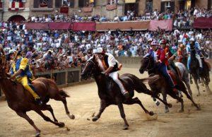 Palio di Siena, storiche tradizioni italiane