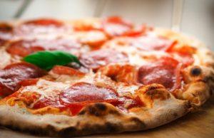 Per tre giorni, Roma si trasformerà nella capitale mondiale della pizza. Dopo il grande successo della prima edizione, va in scena a Roma, presso Guido Reni District, da venerdì 6 a domenica 8 aprile, La Città della Pizza 2018
